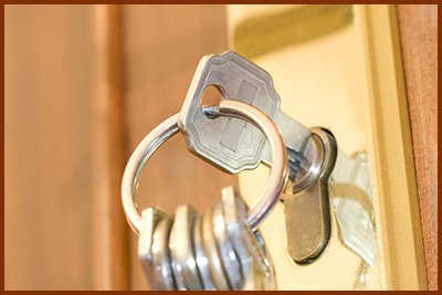Locksmith Key Shop Chatsworth, CA 818-538-8635